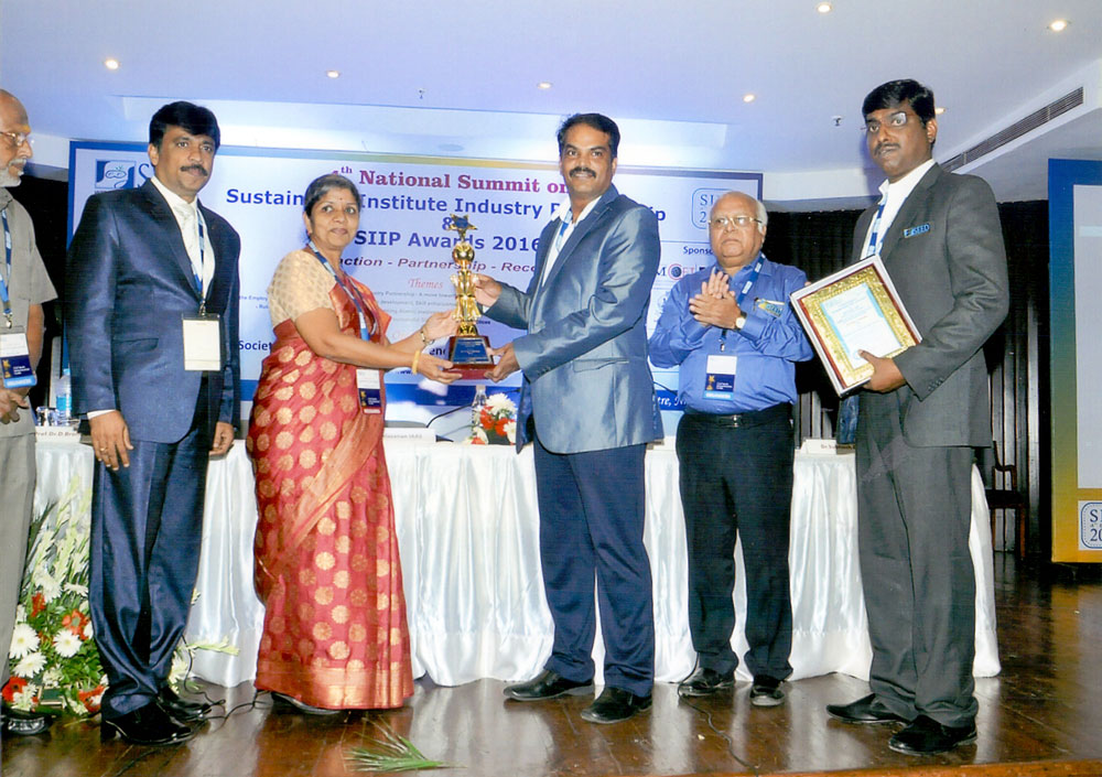 Sustainable-Institute-Industry-Partnership-SIIP-Award-from-Mr.-R.-Ambalavanan-IAAS-Accountant-General-Odisha